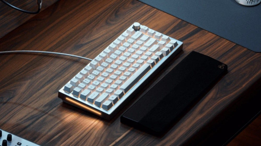 Glorious GMMK Pro 75% layout keyboard