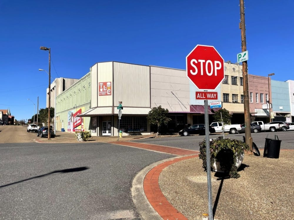 iPhone 12 Mini Sample: Street view shot with a stop sign and old burger joint