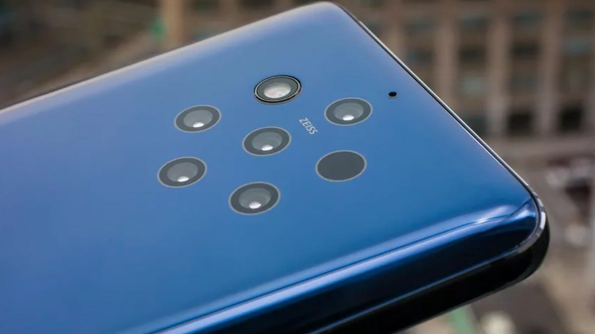 The Nokia 9 PureView with 5 Zeiss Cameras