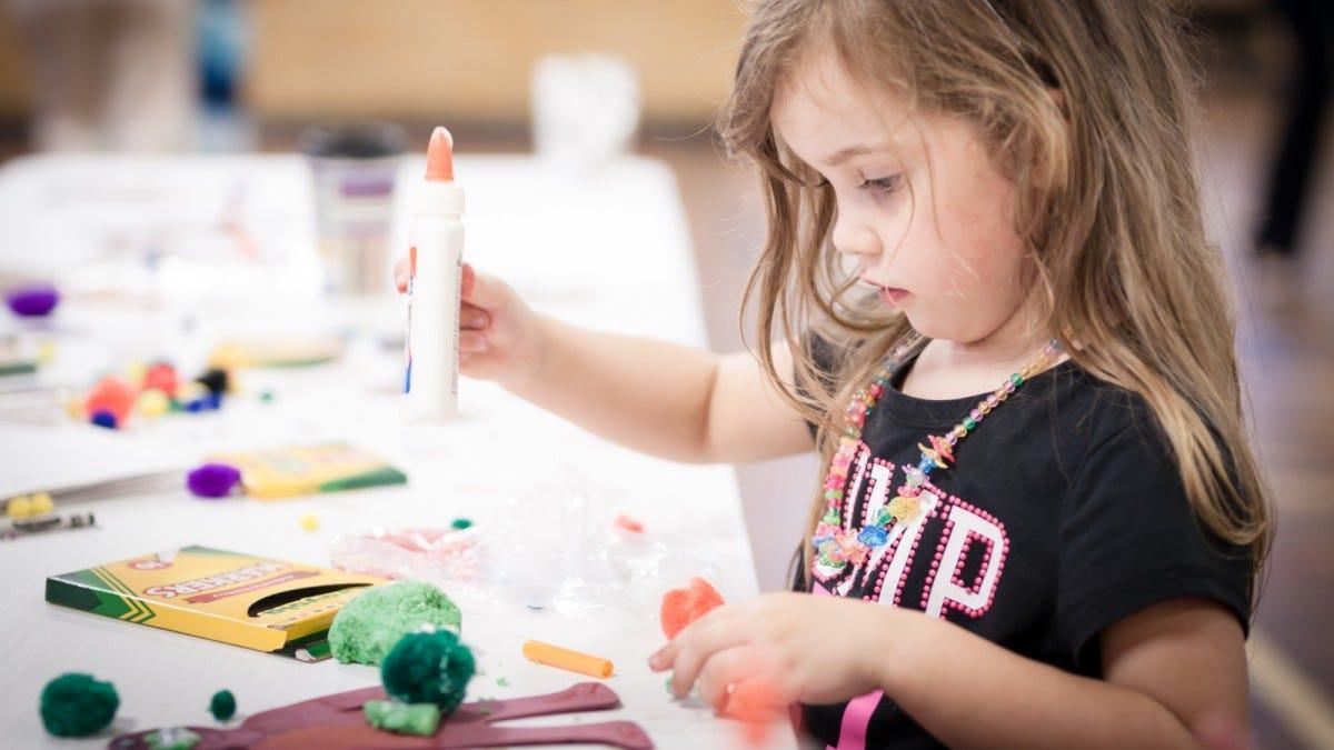 Kids doing art project