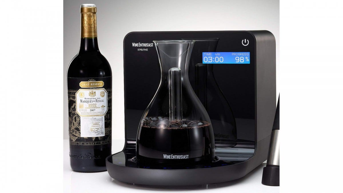 The smart wine decanter aerating a ton of wine.
