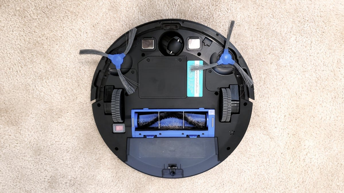 The bottom of the RoboVac. Everything is clearly laid out and easy to manage. The dustbin is quite large.