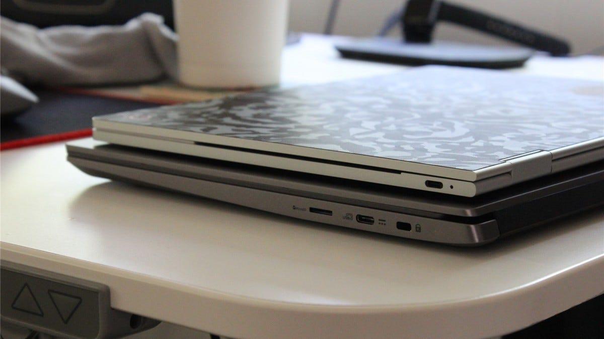 Google Pixelbook vs. Acer Chromebook 714 thickness comparison