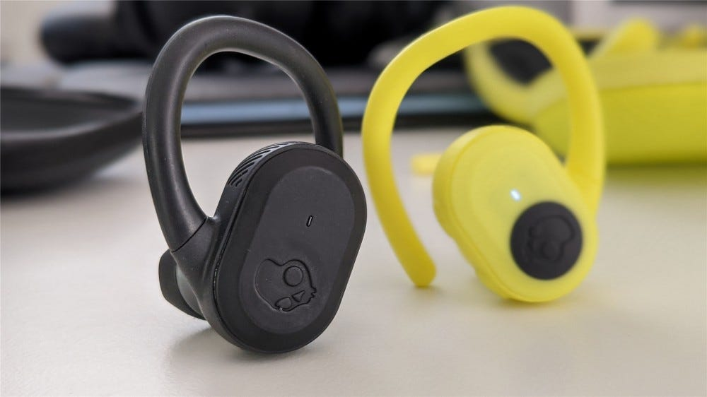 The left Push Ultra in black and the right one in yellow