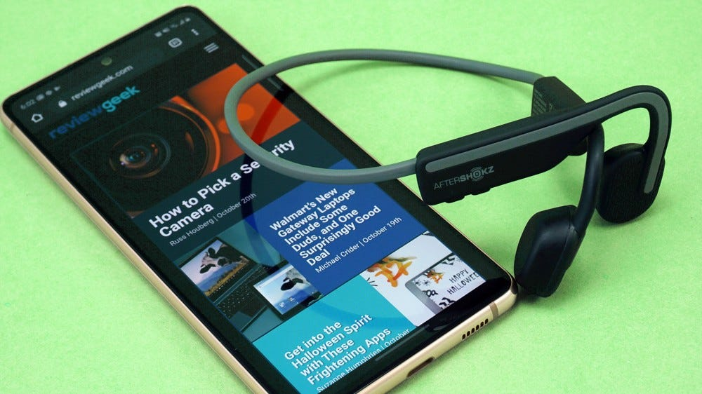 Aftershokz Openmove with phone