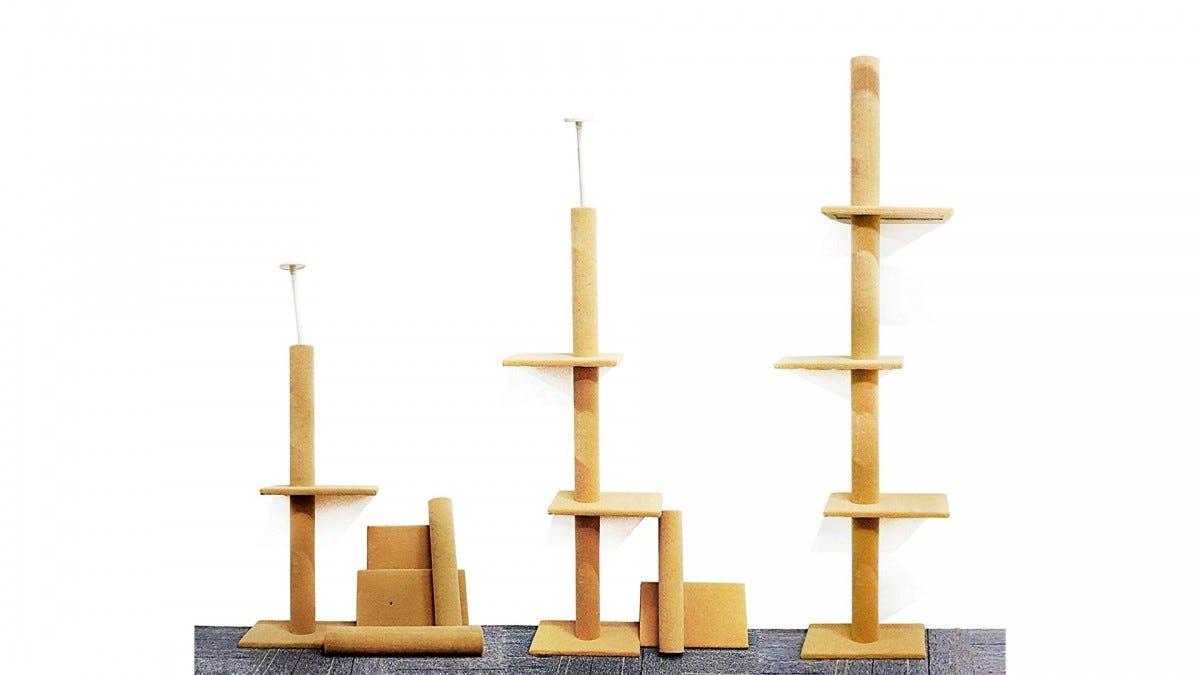 The S-Lifeeling floor-to-ceiling cat tree