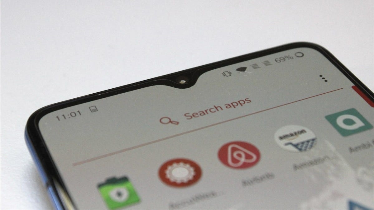 The OnePlus 7T's waterdrop notch in the display