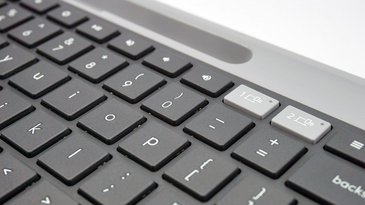 A closeup of the keys on the Logitech K580 keyboard.