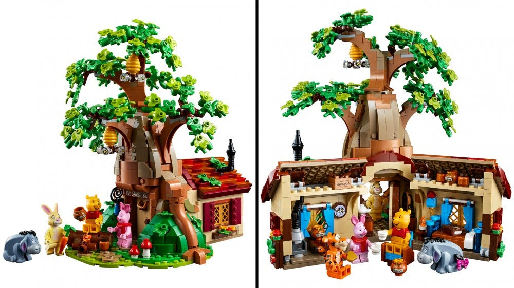 Front and back view of the new LEGO Winnie the Pooh set