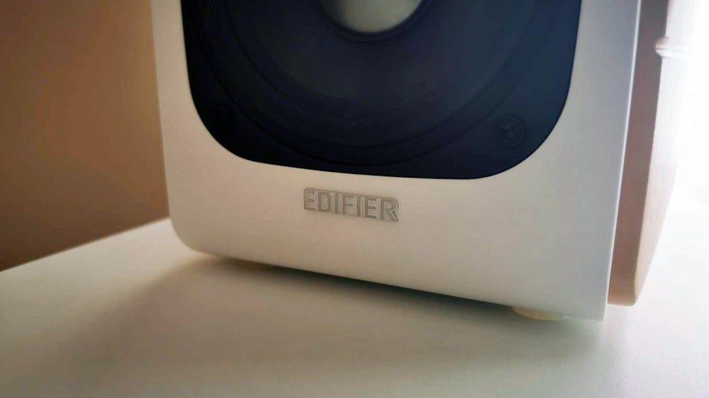 Edifier S880 DB logo on passive speaker front