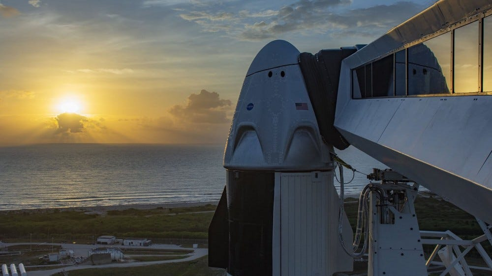 A sideview of the SpaceX dragon capsule.