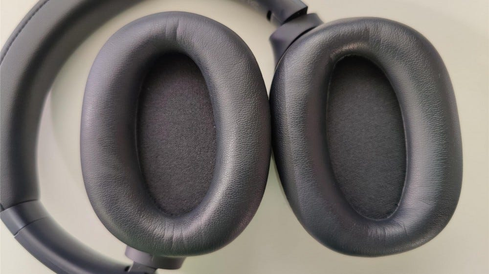 The earpads on the Razer Opus