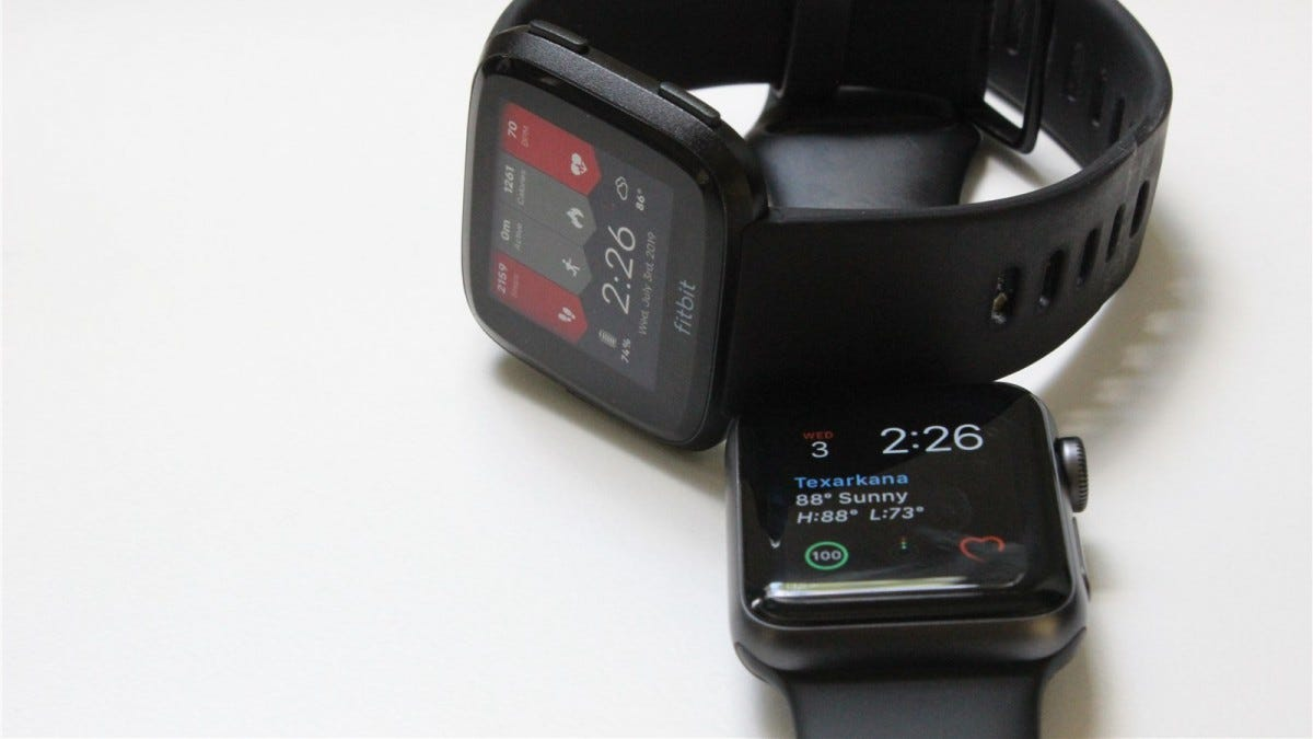 Fitbit Versa and Apple Watch Series 3