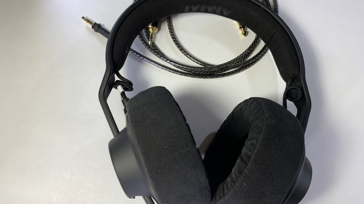 Image of assembled headphones