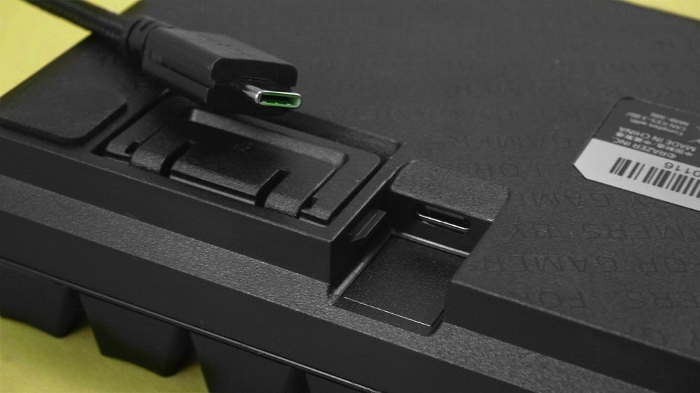 Razer Huntsman Mini USB-C port