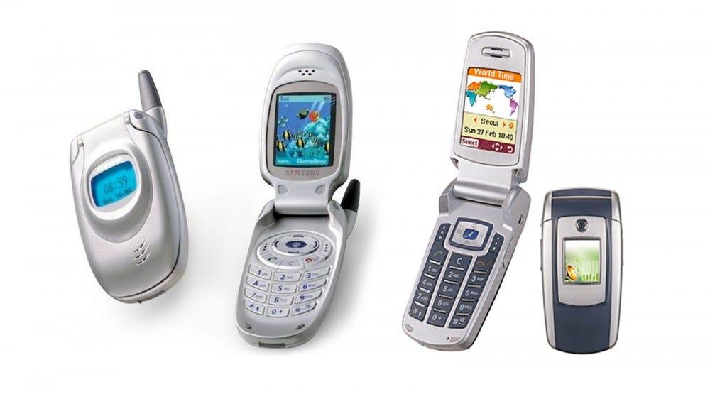 Fotó: nycall T100 (az Egyesült Államokban az SCH-X430) és az Anycall E700 (SG-E700) mobiltelefonokról.