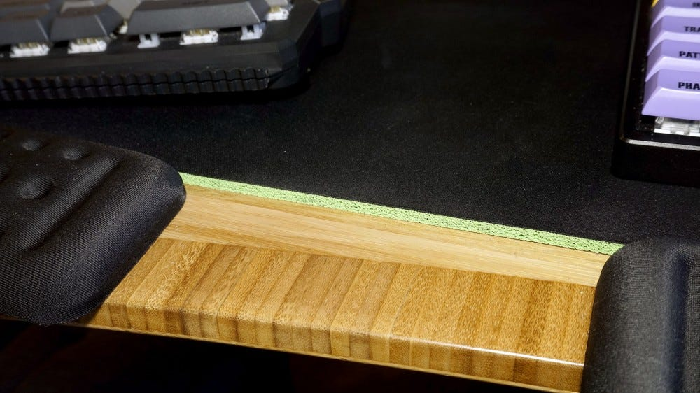 Razer Gigantus rubber core