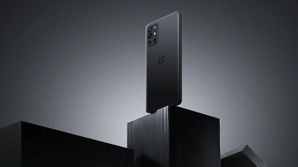 The OnePlus 9R in carbon black