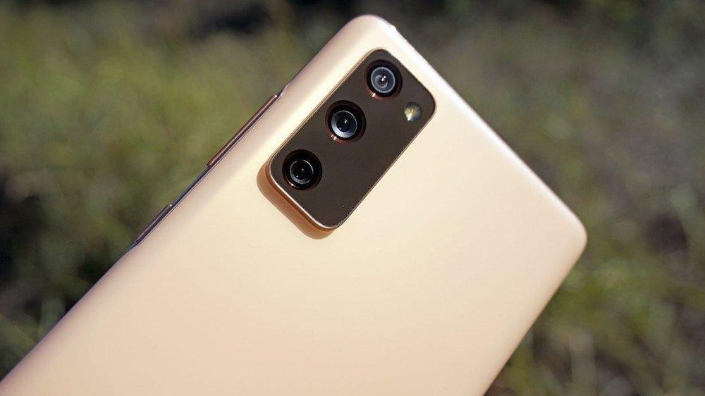 A Samsung Galaxy S20 FE, az egyik kedvenc telefonunk garantált frissítési ciklussal.