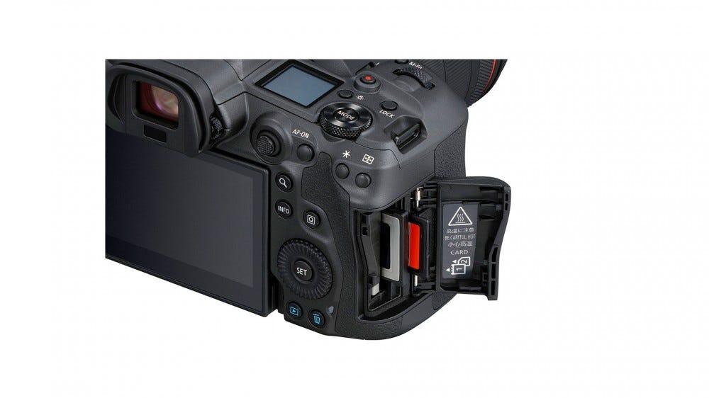 Canon EOS R5 memory card slot