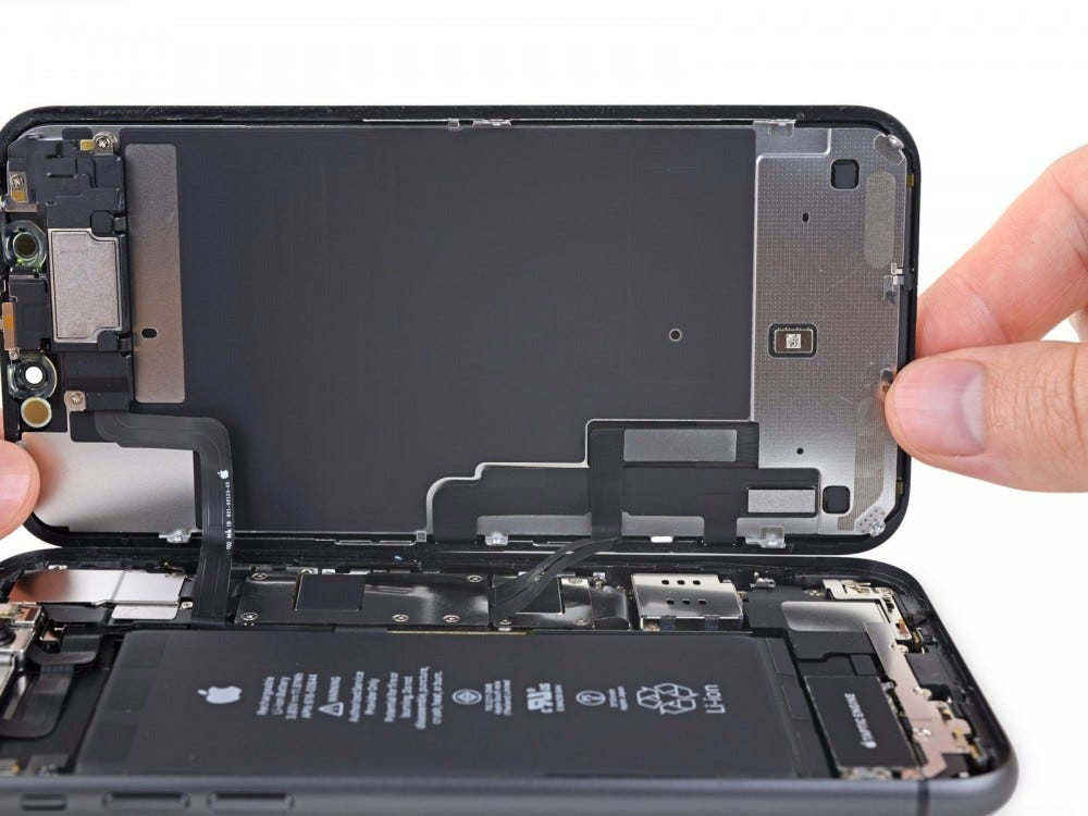 Repairing an iPhone 11