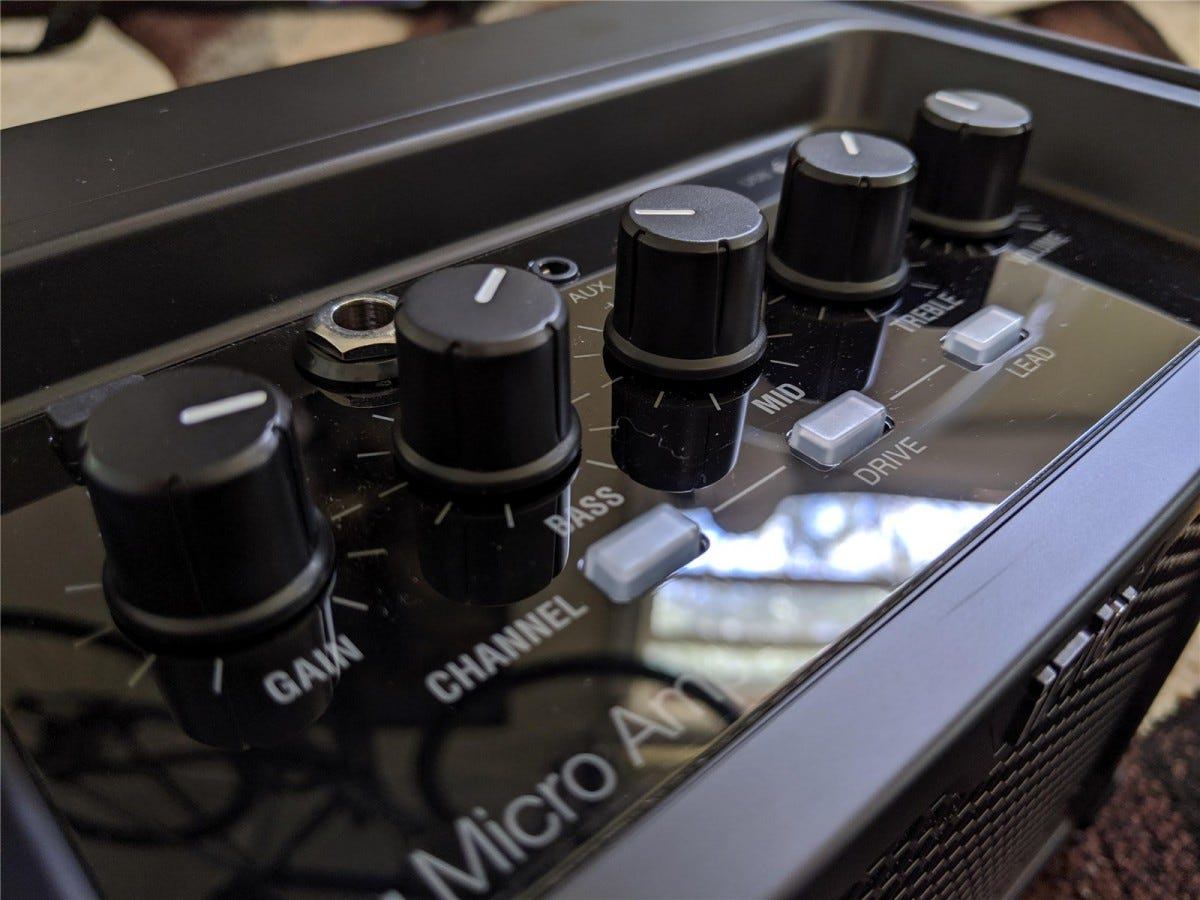 The iRig Micro Amp's control layout