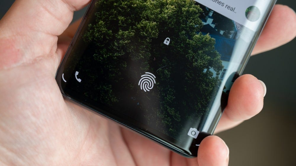 TCL 10 Pro in-display fingerprint sensor