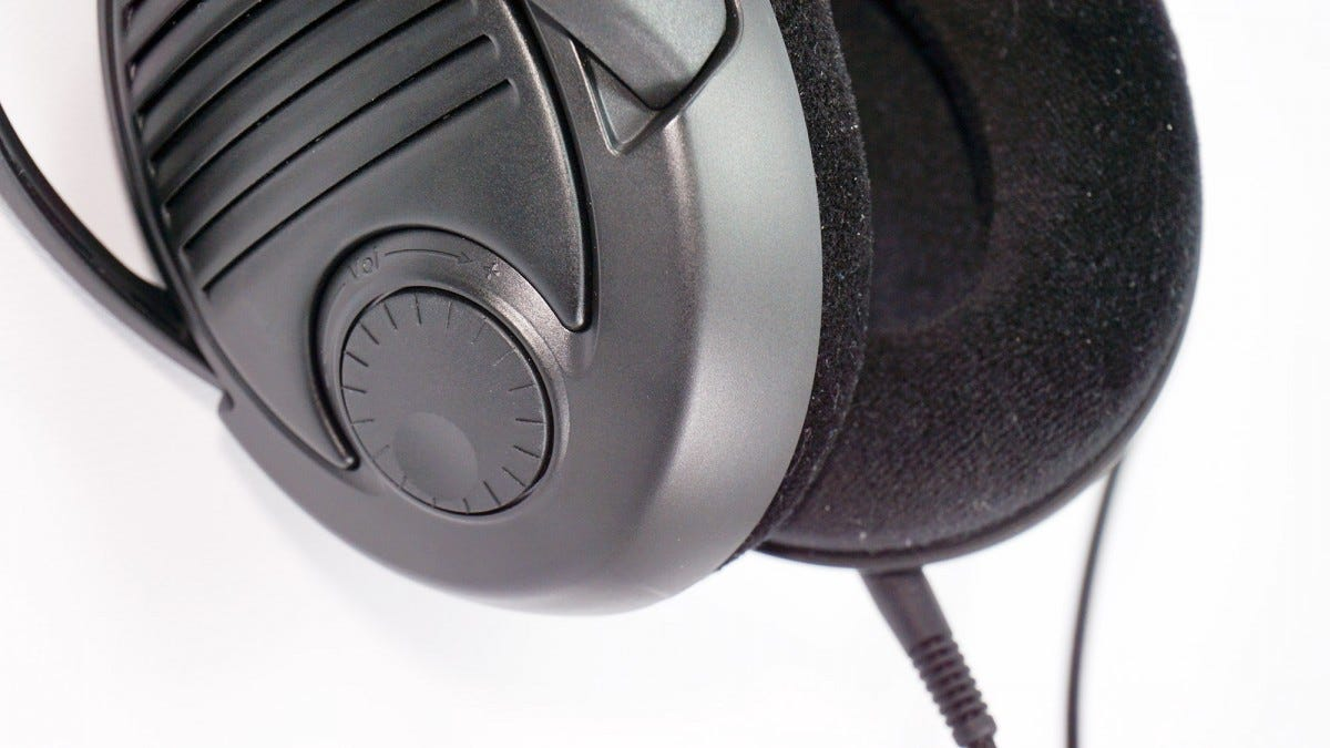 The volume dial on the PC37X's right cup.