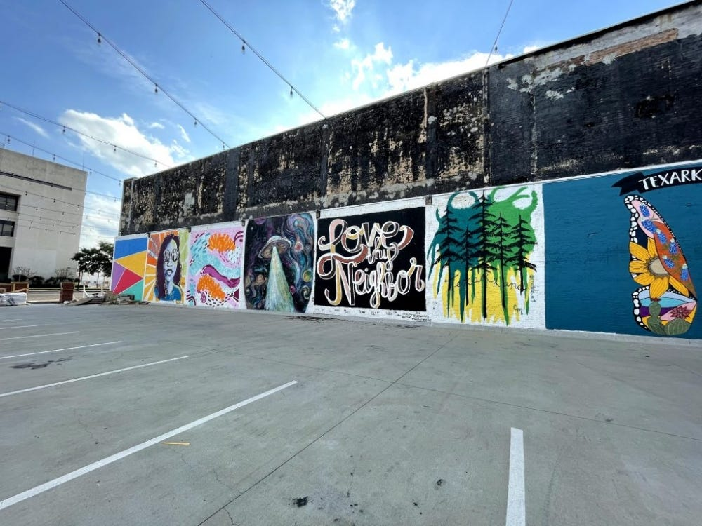 iPhone 12 Mini Sample: Ultra-wide angle camera with the same street art as the last image