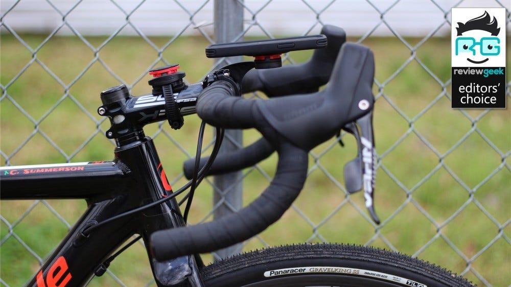 A Spigen Gearlock a külső elülső tartóhoz rögzített telefonnal van felszerelve