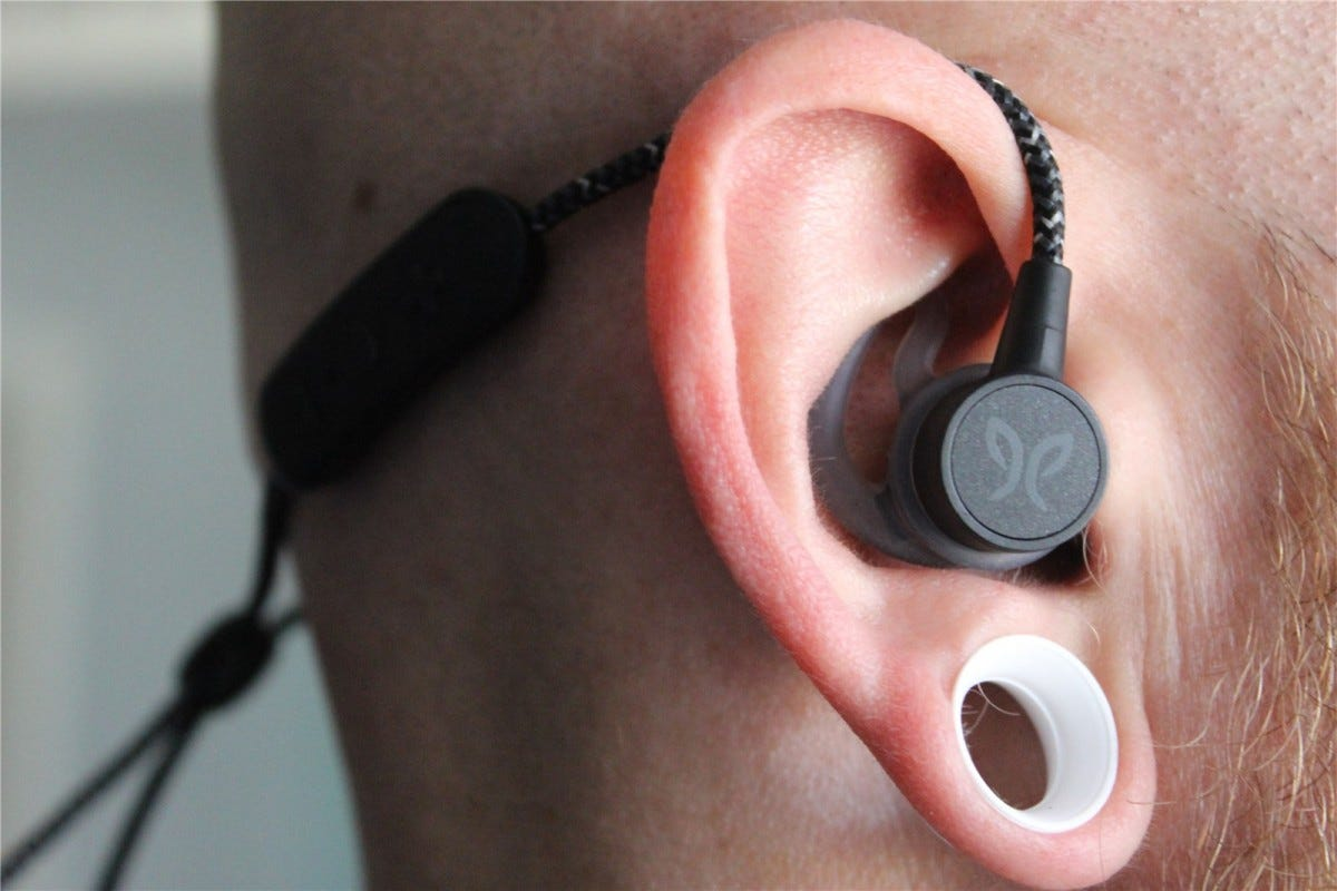 Jaybird Tarah Pro in over the ear mode