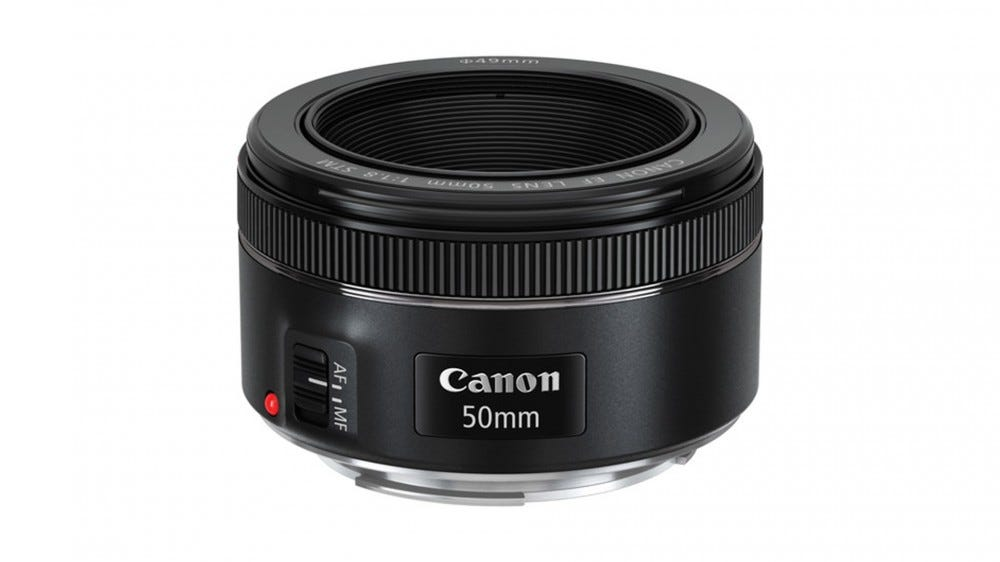 The Canon 50mm f / 1.8 STM lens.