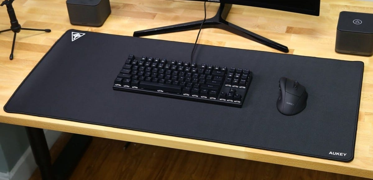 The Best Oversized Mouse Pads And Desk Pads – Review Geek