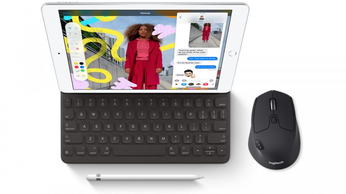 The iPad with a keyboard, Pencil, and Logitech Triathalon mouse