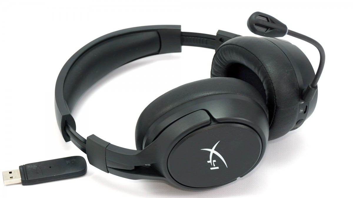 HyperX Cloud Flight S headset.