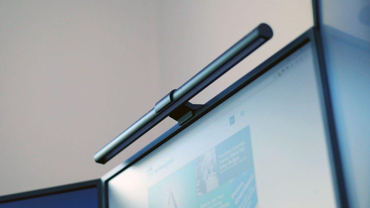 BenQ ScreenBar Review: The Perfect Computer Desk Lamp ...