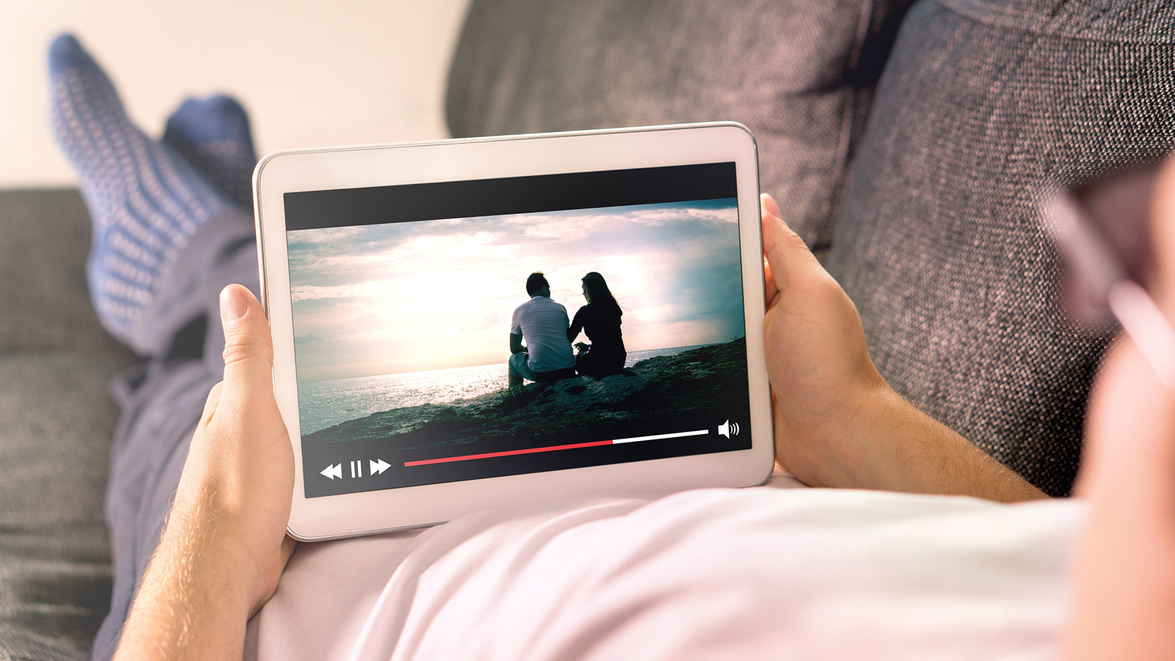 5 Ways to Watch Video With Your Long-Distance Friends