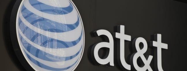 AT & T verdreifacht fast eine Gebühr auf Ihrer Rechnung, um Hunderte von Millionen von Kunden